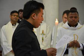 Bro. Antonio (Guatemala) proffeses the Vows for life before Fr. General. (2016)